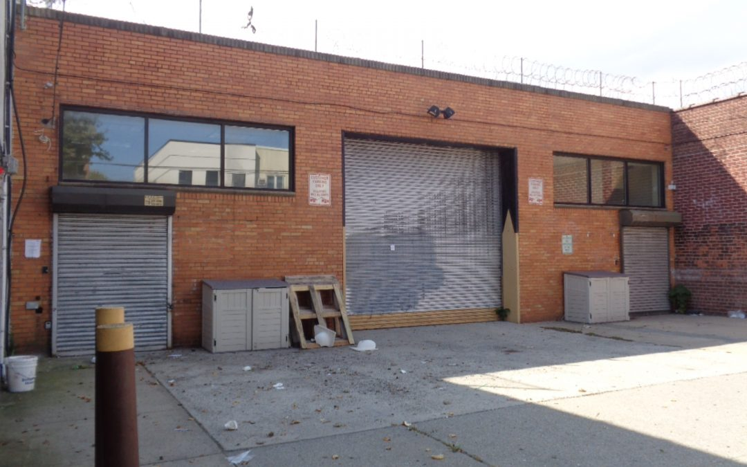 Commercial-Warehouse And Office  Space With Parking