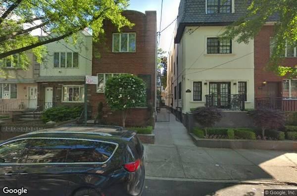 4 bedroom 1 family house for sale! (Boro Park, Brooklyn)